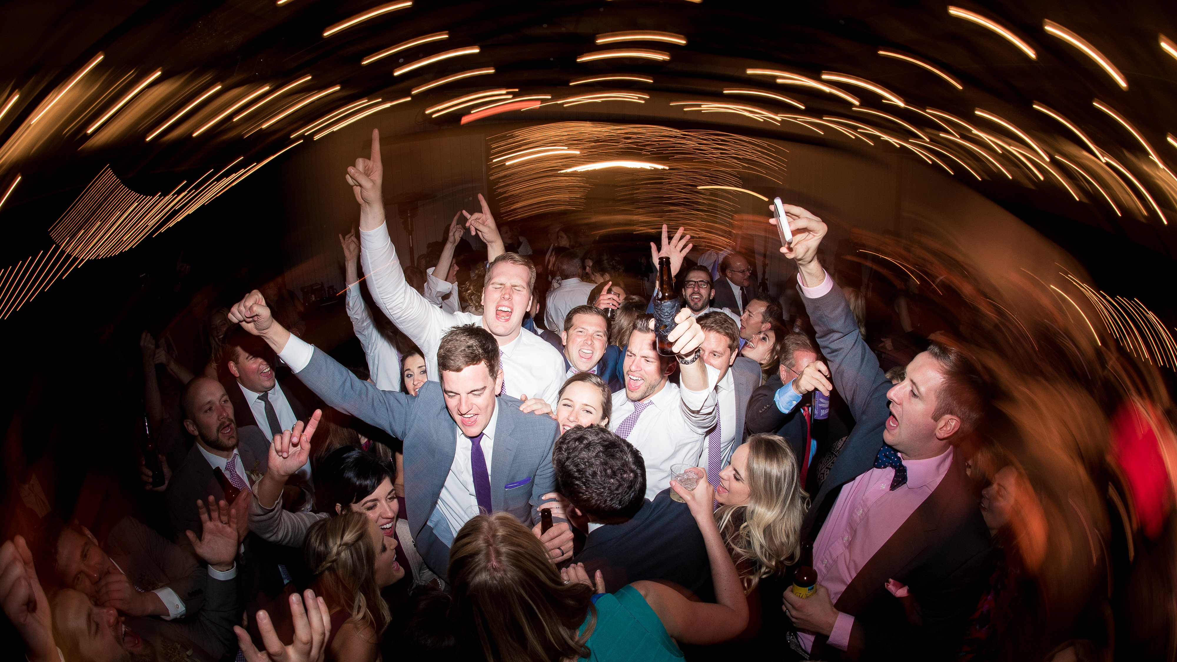 Great wedding party and dancing photos