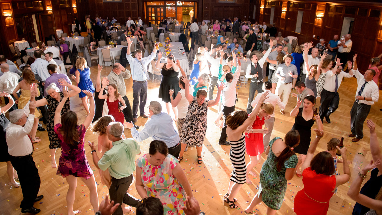 Awesome packed wedding dance floor