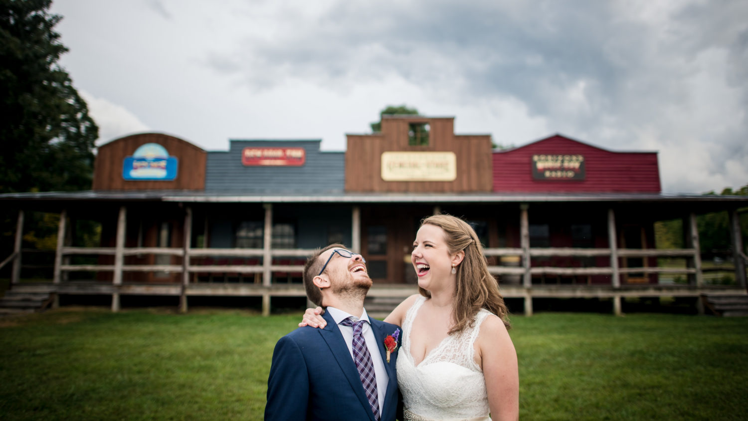Funny moments between formal wedding portraits