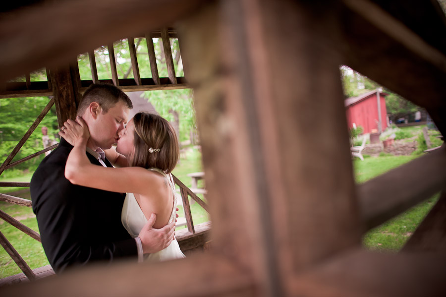 romantic moment at story inn wedding