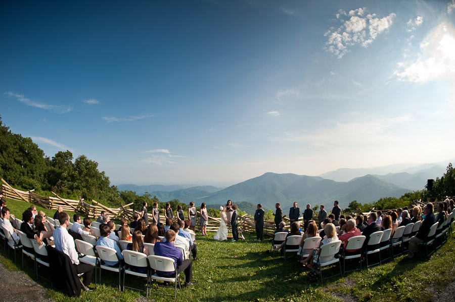 Mountaintop wedding photography at Wintergreen Resort in Virginia