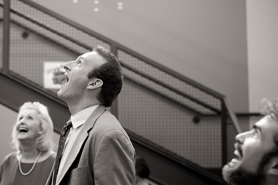Funny wedding photojournalism