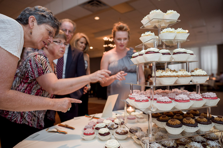 Delicious wedding cupcakes at Bloomington Convention Center
