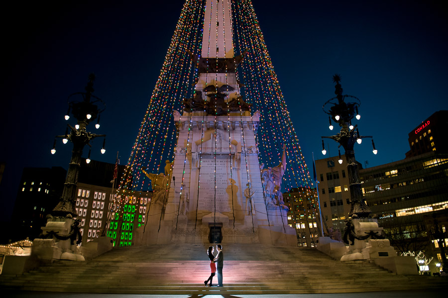 beautiful christmas themed engagement photos monument circle indianapolis indiana