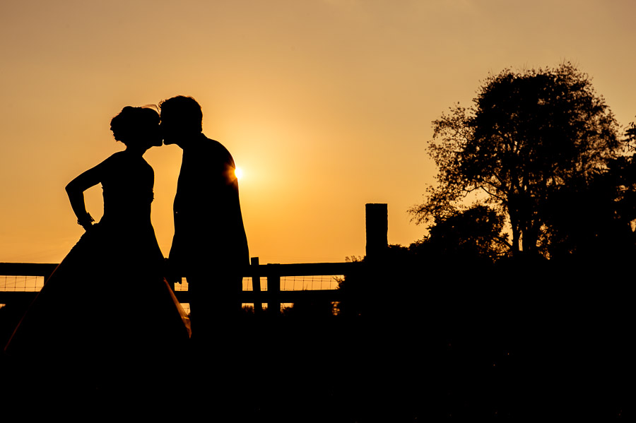 stunning wedding silhouette shadow portraits