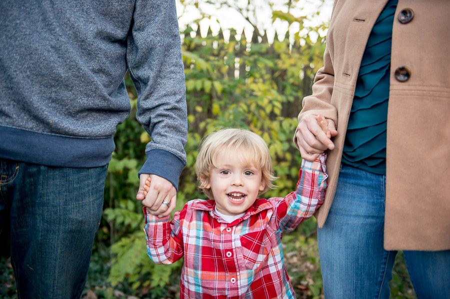 Cute, casual, relaxed family holiday photos in southern Indiana