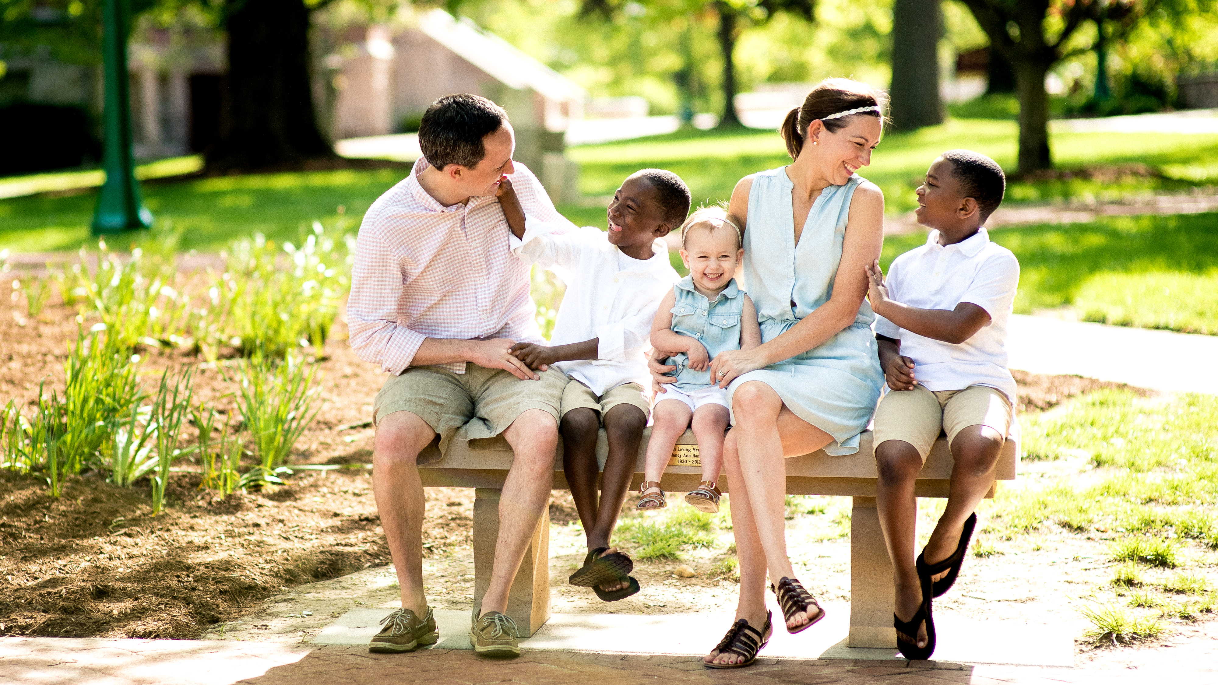 Relaxed, fun, and smiley family photos