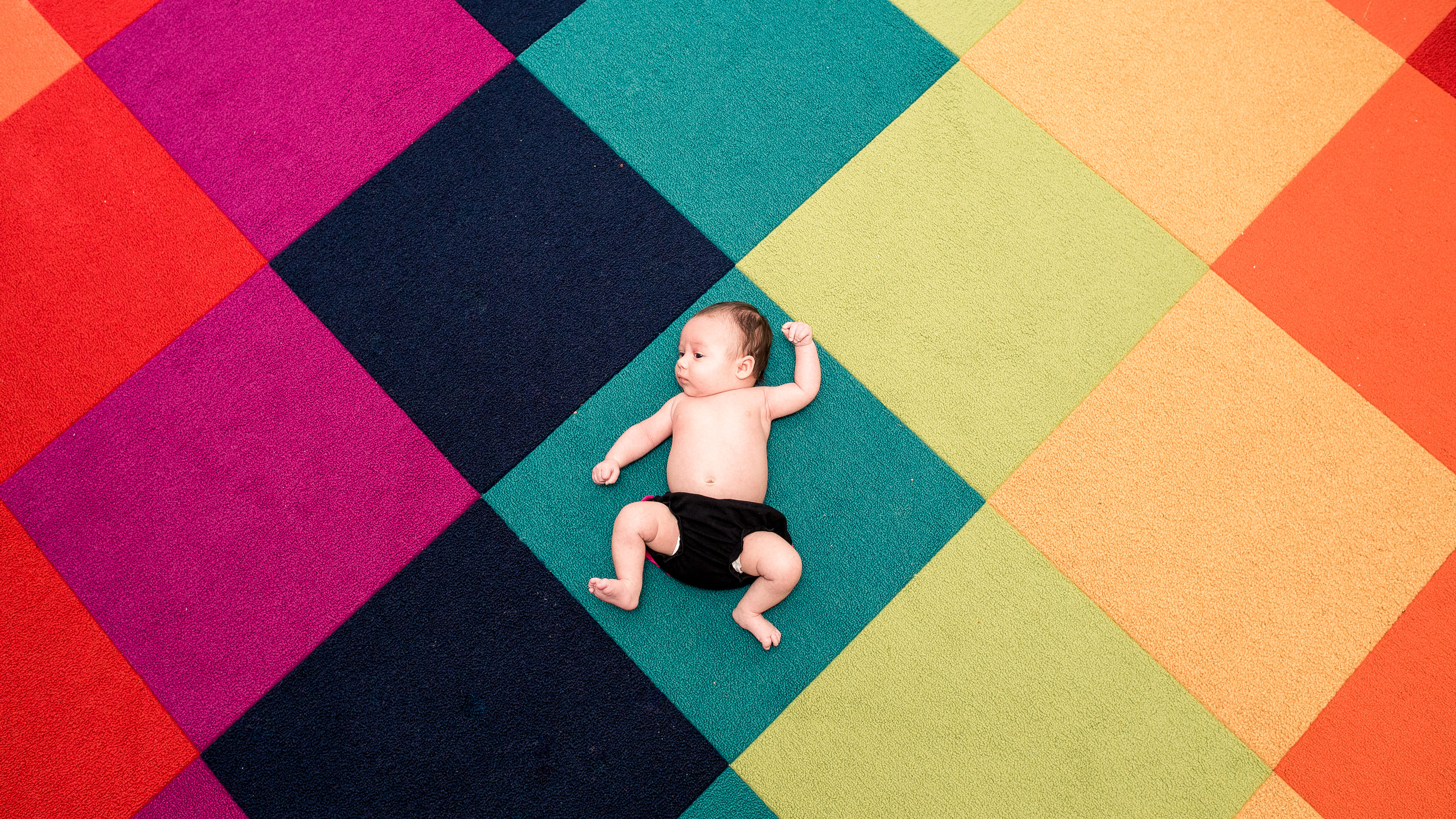 Modern and colorful baby photography