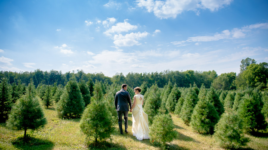 Fun bride and groom at Dull's Tree Farm wedding in Indianapolis, Indiana