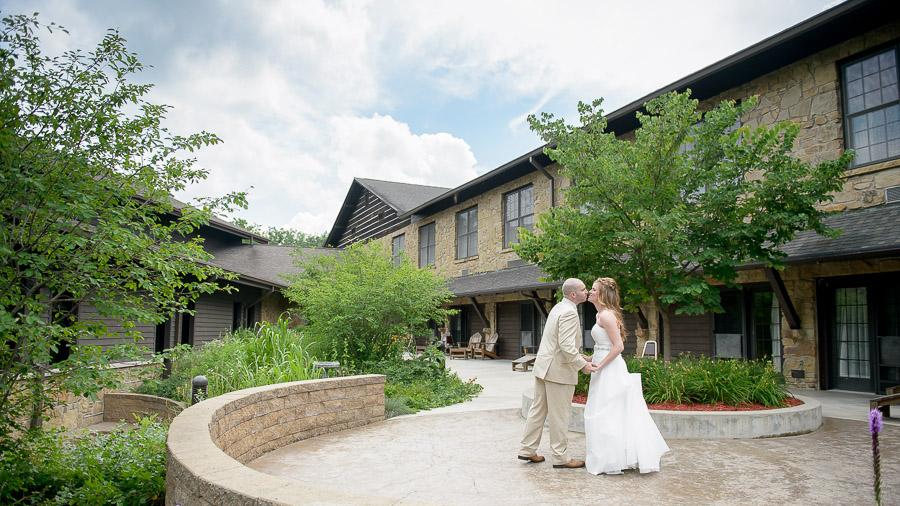 Abe-Martin-Lodge-Brown-County-Wedding-Photography-Christyn-Hudson-3