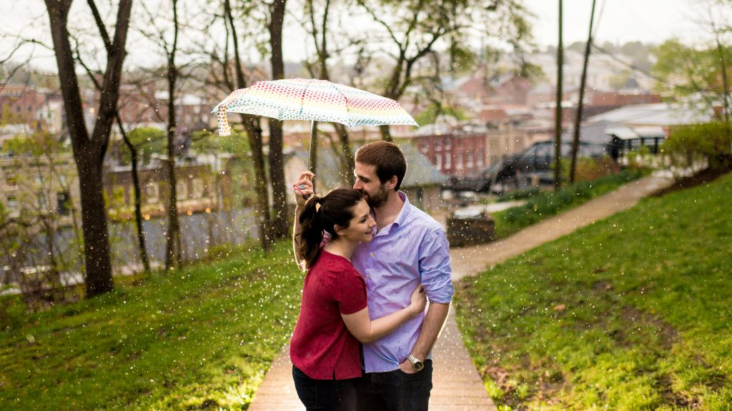 Rainy day engagement pics of Ryan + Shannon in Staunton Virginia photography