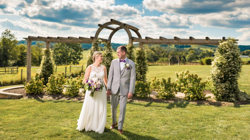Barn at Kline's Mill Wedding Photo