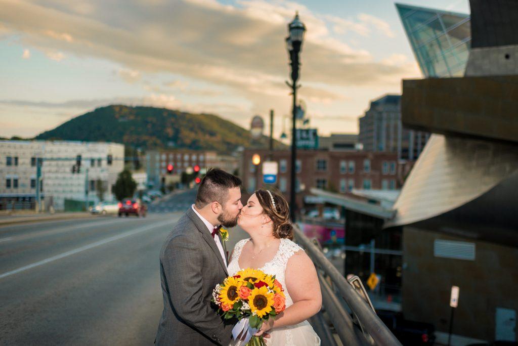 downtown roanoke va wedding photos